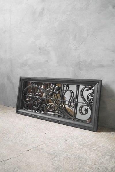 画像1: アンティーク ブラックフレーム アイアン装飾ミラー (1)
